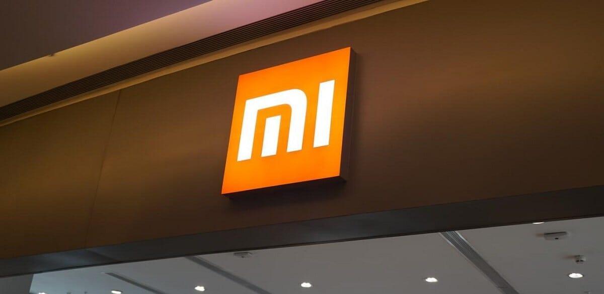 Xiaomi MI 9 con chin spesso solo 3.6 mm costerà circa 450€ in Cina