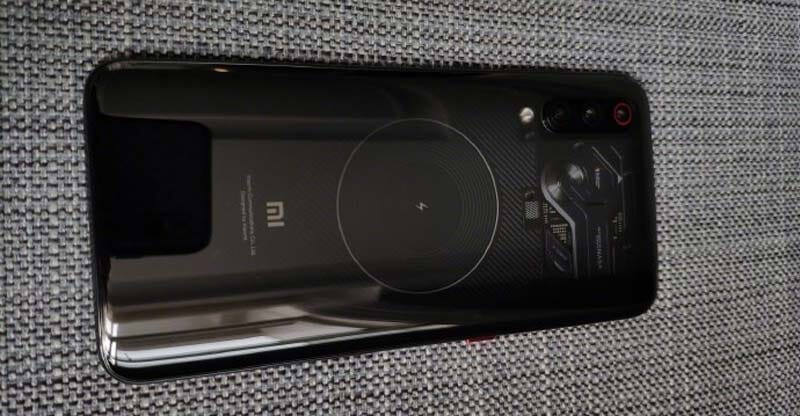 Xiaomi MI 9 Explorer Edition si mostra in alcune foto